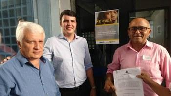 Vereadores Cobra e Emir Alencar protocolam oficio no DNIT, em São Luís, no dia 09 de maio.