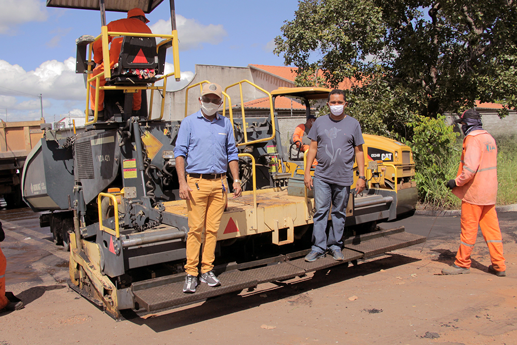 Vereadores Irmão Leonardo e Cobra vistoriam obras públicas anunciadas pela Prefeitura